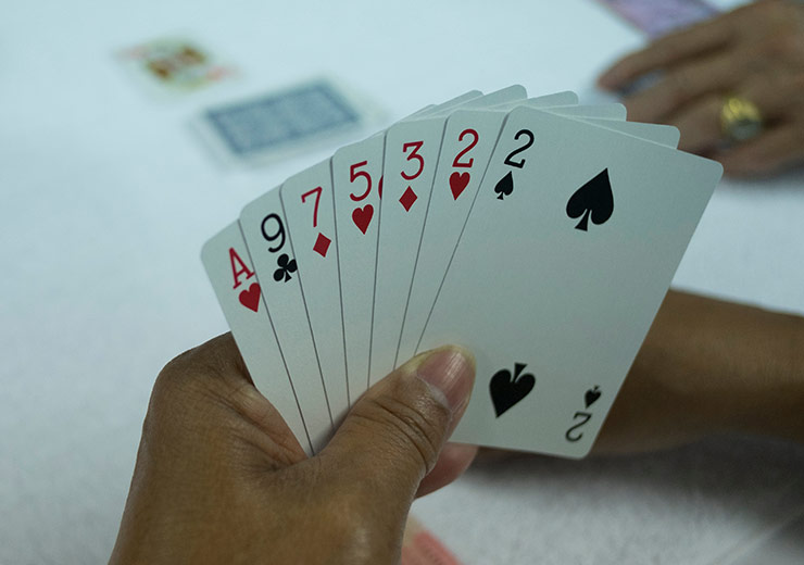How to Play Seven Cards Rummy: Rules & Basics